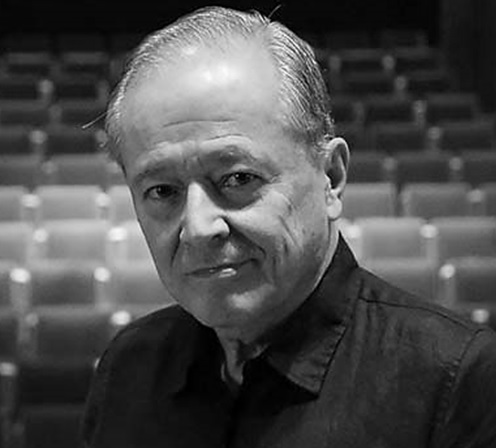 Carlos Villa, director de la Filarmónica Juvenil, obtiene el Premio Vida y Obra