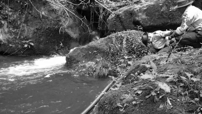 CAR interviene captación ilegal de agua en Cerros Orientales de Bogotá