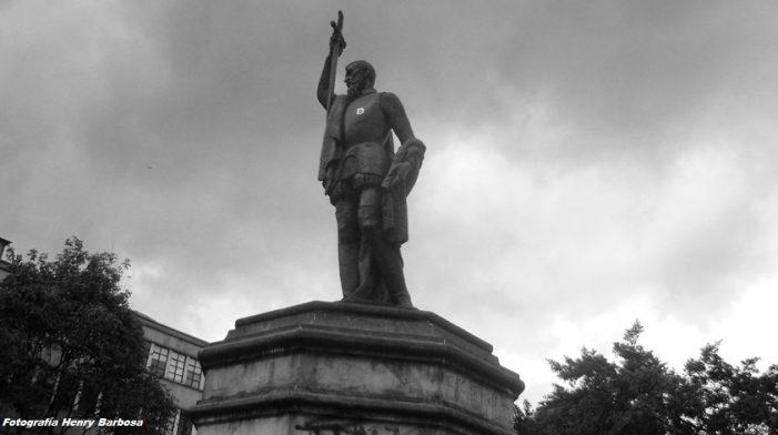 'Adopta un monumento' llega a la Plazoleta del Rosario en Bogotá