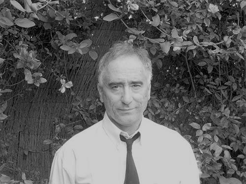 El psicólogo y escritor Manuel Almendro ofrecerá varias conferencias en Bogotá