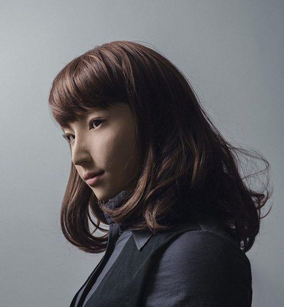 Polémica por premio de fotografía a retrato de una androide