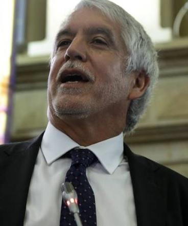 Ponencia del CNE pide archivar la revocatoria del alcalde Peñalosa