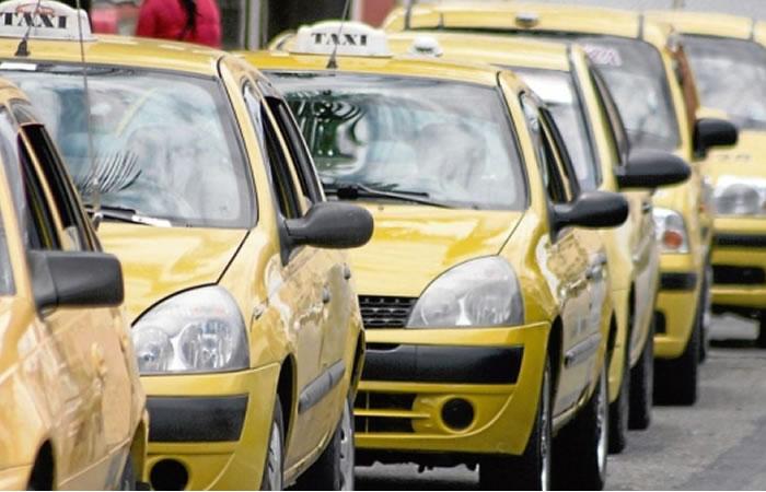 Empresas de taxis de Bogotá tendrán plataformas tecnológicas para mejorar el servicio