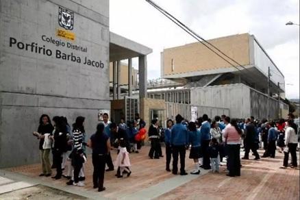 Más de 1.000 menores venezolanos estudian en colegios oficiales de Bogotá