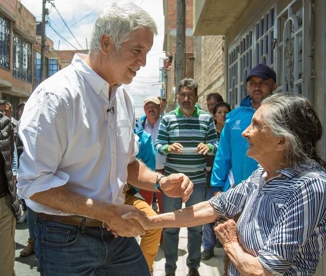 Alcalde Peñalosa entrega obras en la Localidad de Bosa