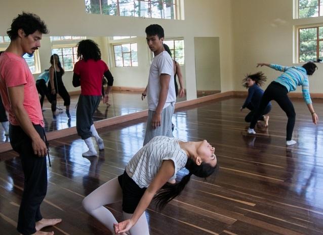 """Talleres y clases de danza en """"Casona de la danza"""""""