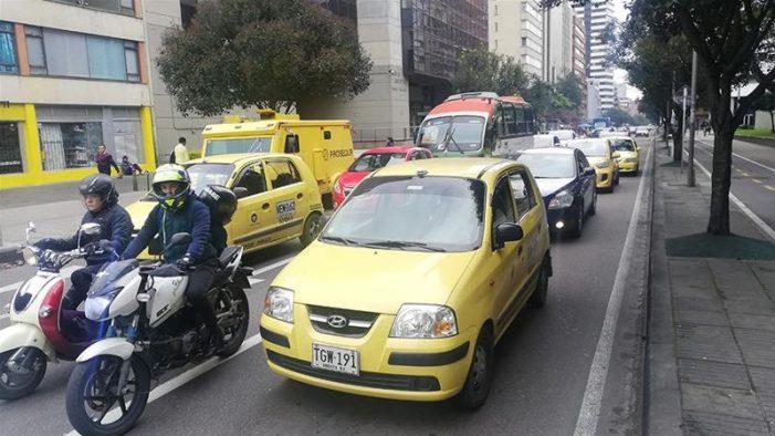 Empresa china intensifica mercado negro de taxis en Bogotá
