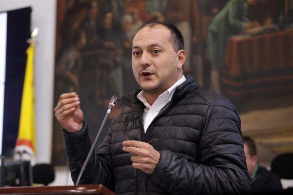 """Manuel Sarmiento: """"Es un error adjudicar el Transmilenio por la 68"""""""