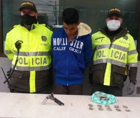 Asesinan a enfermera en Bogotá por robarle la bicicleta