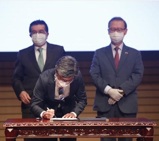 Gobierno de Corea hace donación a Bogotá para fortalecer atención del COVID-19