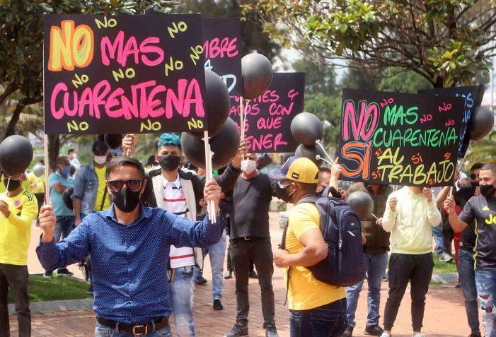 En Bogotá comerciantes de localidades cerradas por pandemia protestan por quiebra de sus negocios