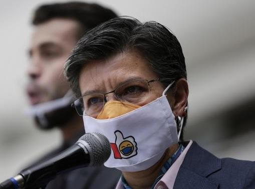 """Claudia López: """"Nos dicen xenófobos por denunciar una situación que está pasando"""""""