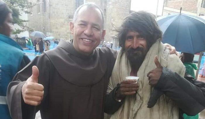 Murió Fray 'Ñero', el ángel de la guarda de los habitantes de calle en Bogotá