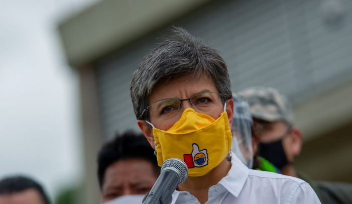 Si llegaran las vacunas no estaríamos en estas: Claudia López