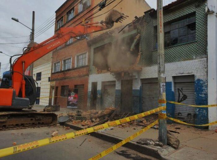 """Cayó otra olla del narcotráfico en la capital; fue demolida """"la fortaleza"""""""