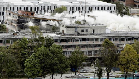 Con implosión fue demolido el edificio del Ministerio de Defensa en Bogotá