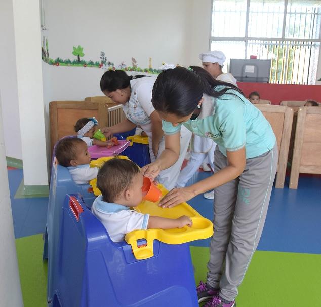 Niñas y niños de primera infancia asisten de manera presencial a 21.700 unidades de servicio del ICBF