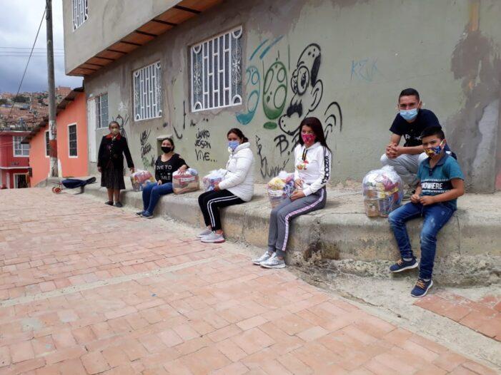 World Vision y Jeunesse inician nueva entrega de paquetes de alimentos en Soacha y el sur de Bogotá